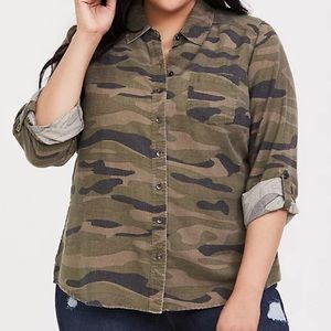 TORRID TAYLOR -CAMO TWILL BUTTON FRONT RELAXED FIT
